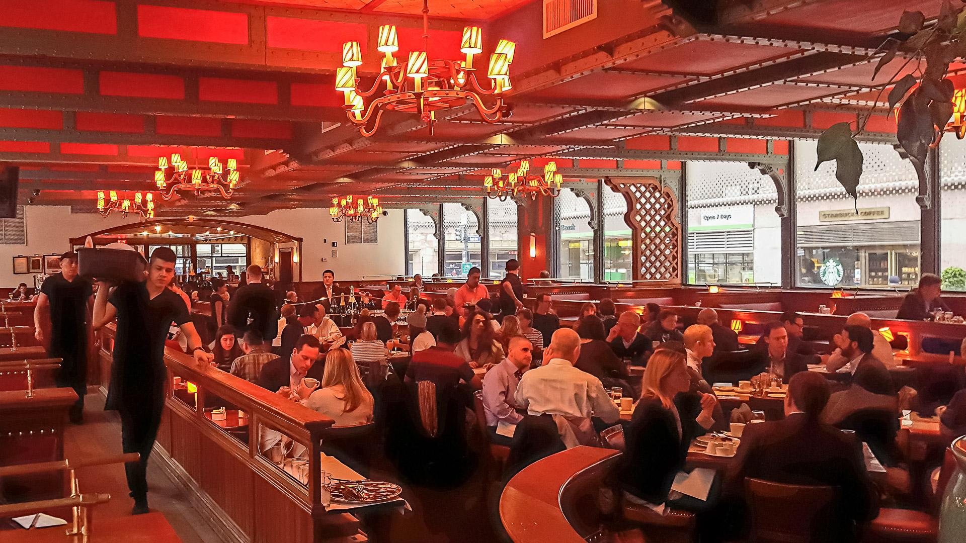 Im Pershing Square Restaurant