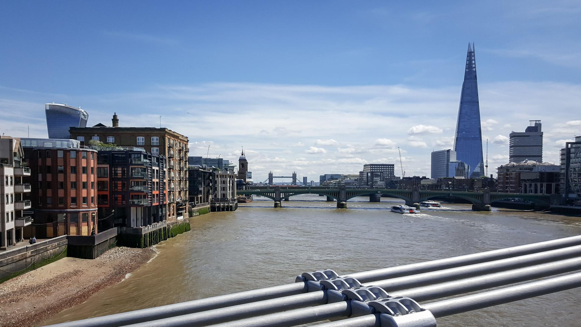 Blick von der Millennium Bridge