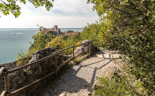 Der Rilkeweg in der Provinz Triest bei Duino