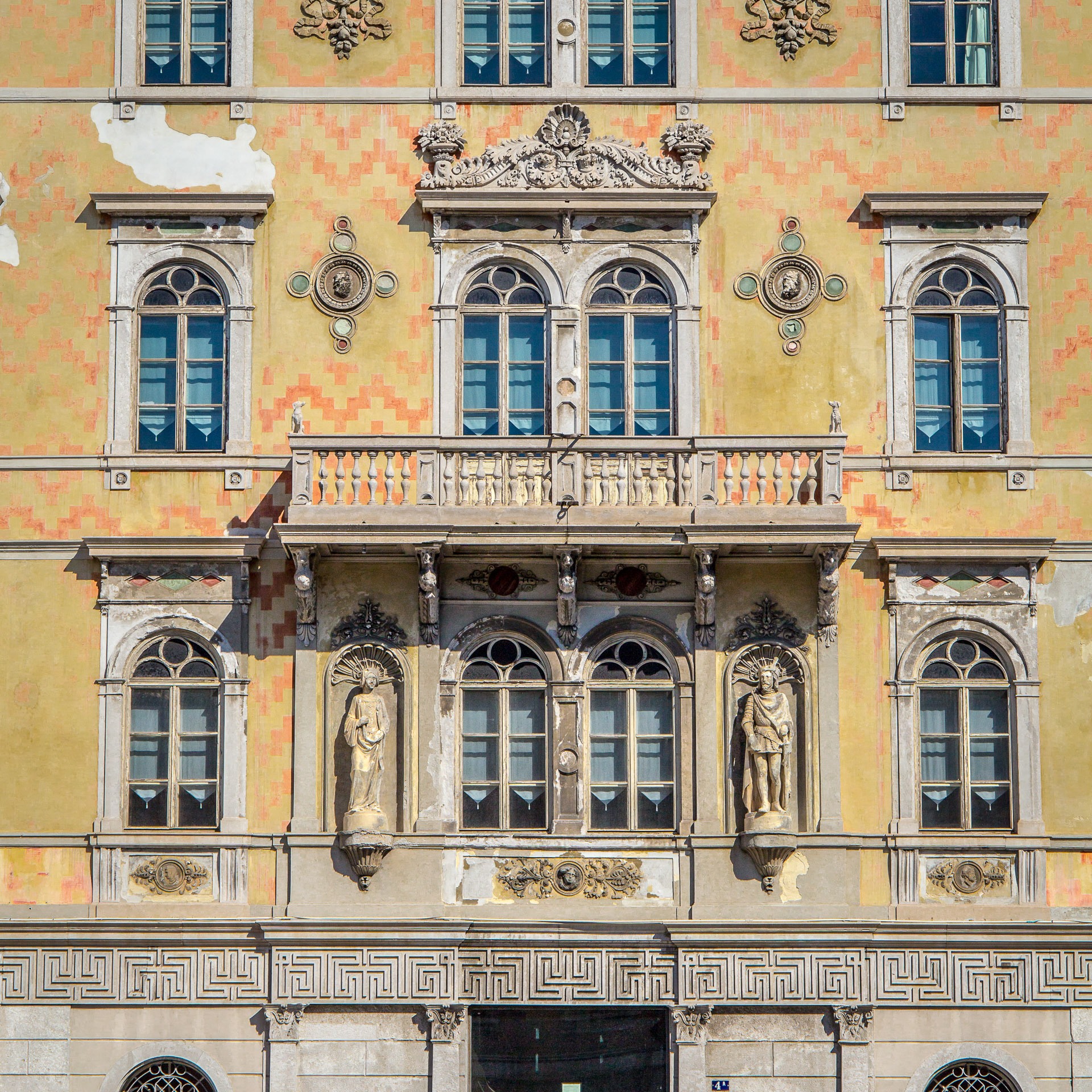 Fassade des Civico Museo Teatrale Carlo Schmidl