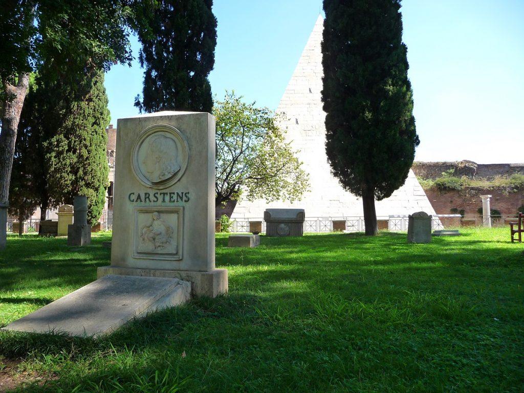 Protestantischer Friedhof, Rom, Pyramide