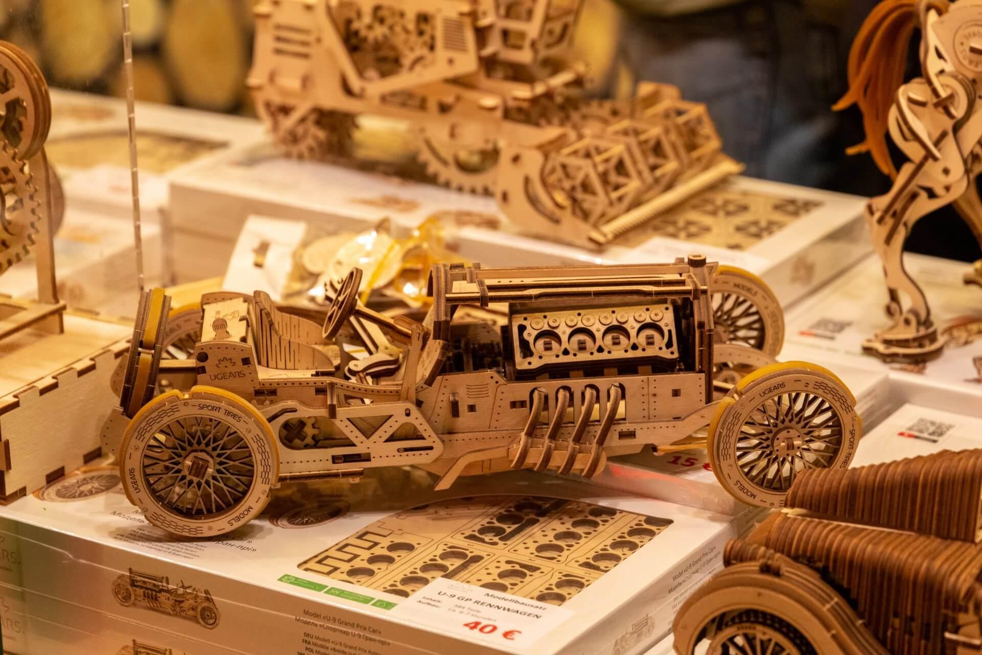 Holzmodelle aus der Ukraine