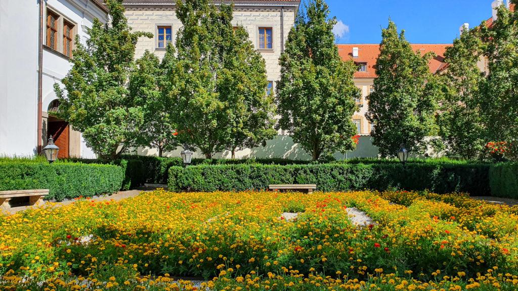 Der kleine Klostergarten